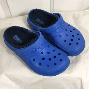 Crocs blue lined clogs size-3 (kids)